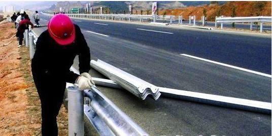 热镀锌高速护栏管、热镀锌钢管